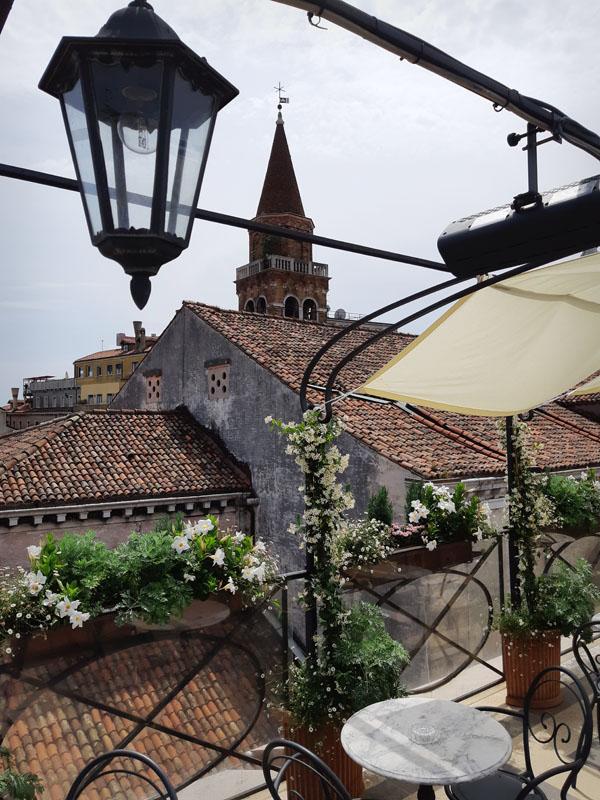 Aperitivo in terrazza veneziana